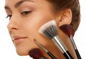 肌肤烦恼3:「毛孔」是小脸美人的杀手!——简单有效的美点小脸按摩法