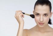肌肤烦恼2:「青春痘」是小脸美人的杀手!——简单有效的美点小脸按摩法