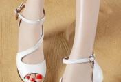 步步生花的高跟鞋搭配