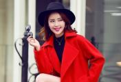 最会拍照的高圆圆教你凹造型,冬季红色大衣搭配