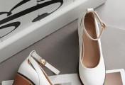 夏天露脚踝的时候,穿什么鞋子合适