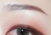 偏光眼影 打造风靡的单眼皮眼妆