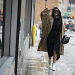 春暖花开驼色风衣上线 4种搭配法则帮你解决换季烦恼
