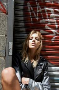 """安雅•鲁比克在Instagram上的""""审视""""——如何找到最适合你的牛仔裤,BLK DNM"""