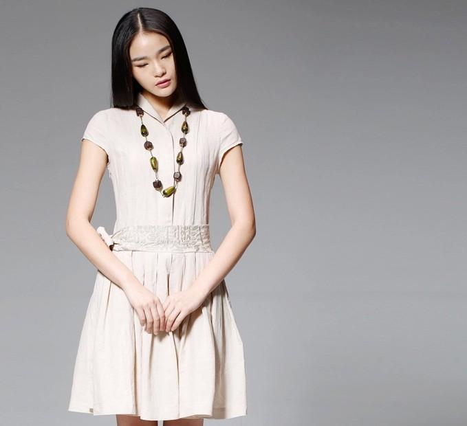 短袖刺绣森女连衣裙