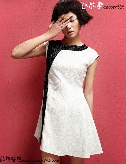 黑与白民族风拼色连衣裙