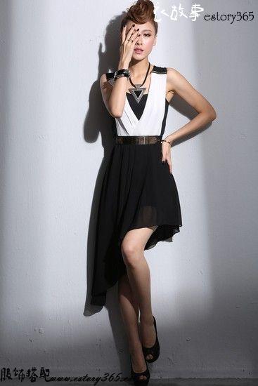 黑与白不规则拼色连衣裙