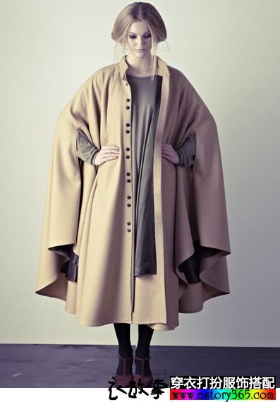 斗篷式长款呢大衣