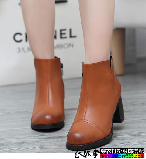 纯色粗跟短靴