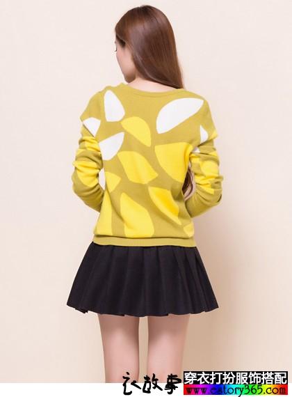 圆领拼色羊毛针织衫