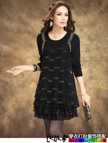 钉珠蕾丝连衣裙
