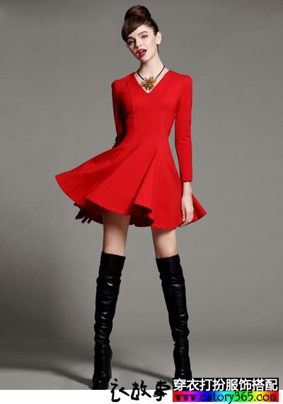 红色V领大摆长袖连衣裙