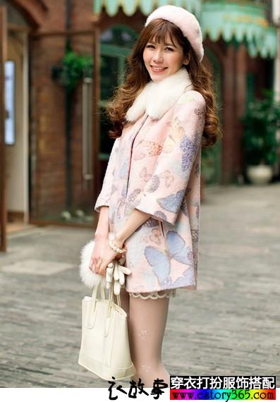 甜美蝴蝶印花七分袖外套