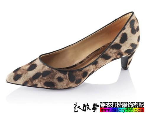 豹纹绒面尖头鞋