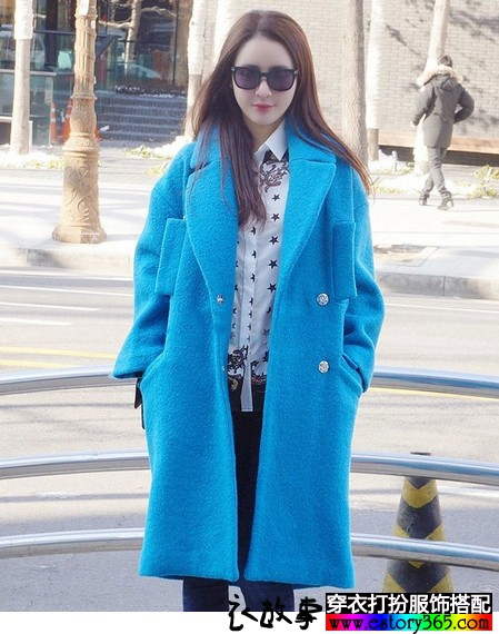蓝色茧型加厚呢大衣