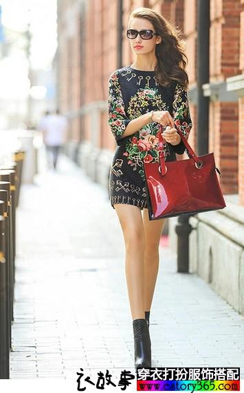 印花长袖连衣裙
