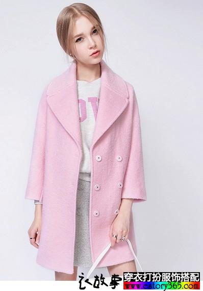 纯色大翻领羊毛呢大衣