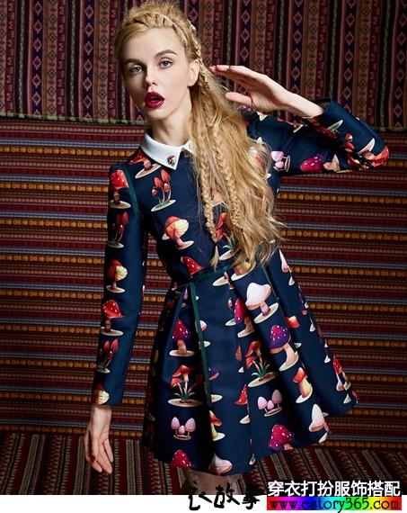 蘑菇印花宫廷长袖连衣裙