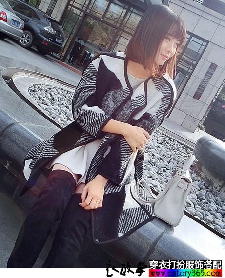 小香风黑白格子羊绒大衣