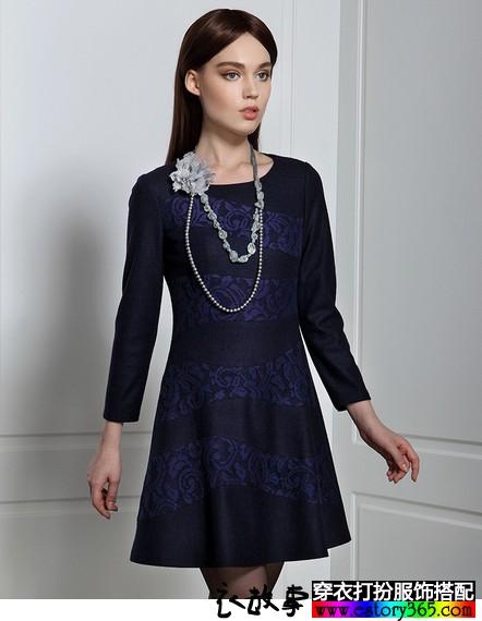 波纹蕾丝毛呢连衣裙