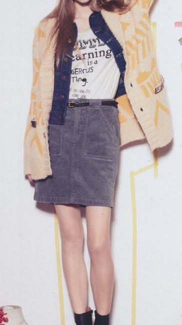 高个子女生春秋季穿衣搭配-万能的针织衫
