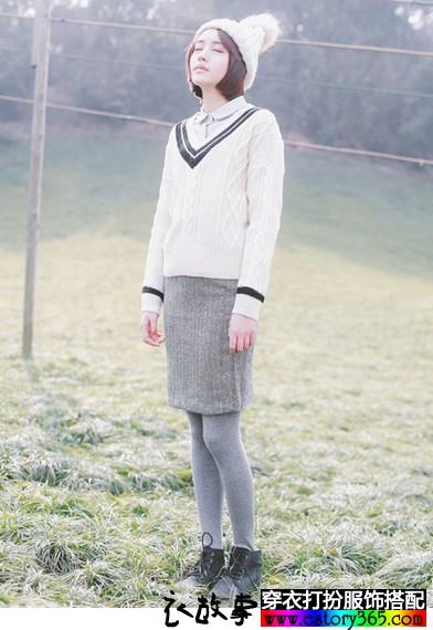 日系V领麻花针织衫