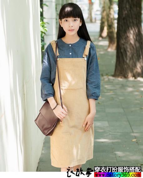 宽松灯芯绒背带裙