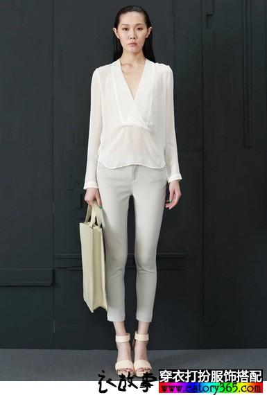 白色深V领蚕丝衬衫