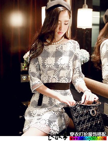蕾丝绣花中袖连衣裙