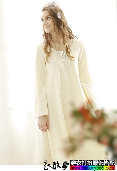 喇叭袖V领蕾丝系带长裙