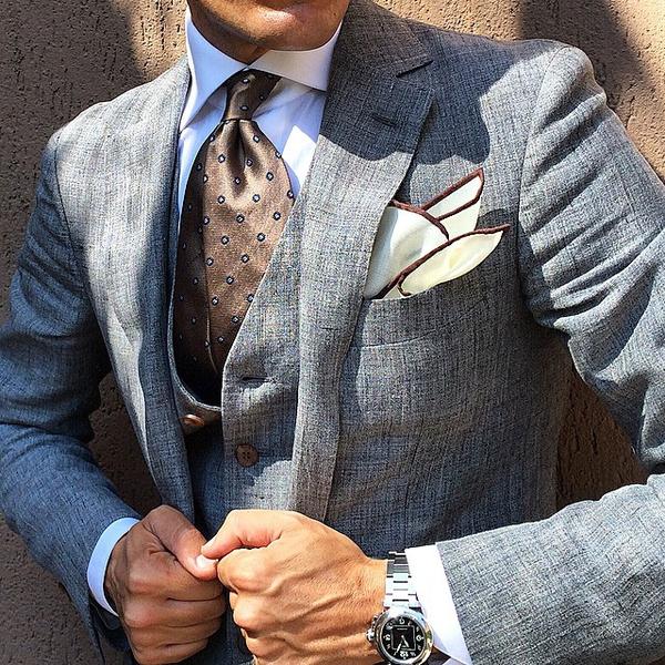服饰怎么样搭配色彩:一、协调配色