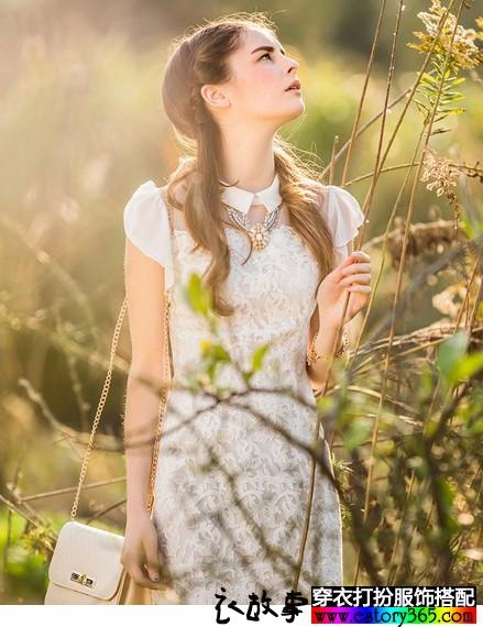 白色蕾丝雪纺连衣裙
