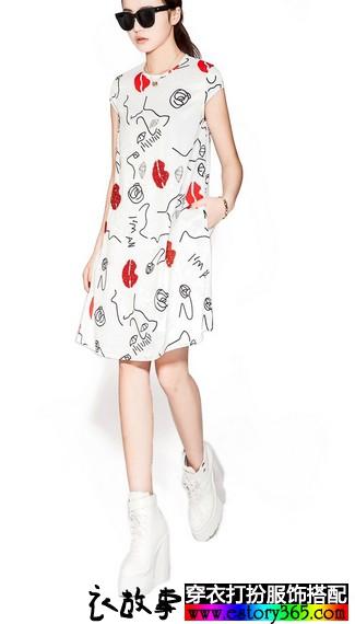 红唇印花钉珠连衣裙