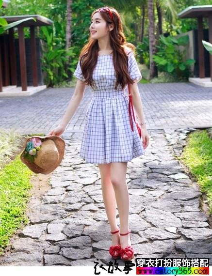 格子短袖连衣裙