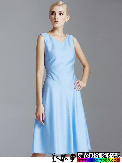显瘦V领连衣裙