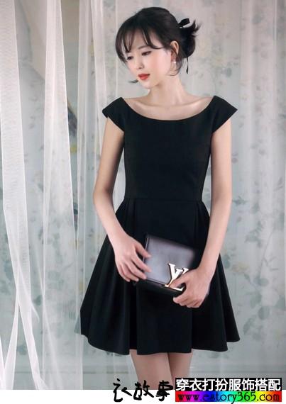 一字肩雪纺收腰小黑裙