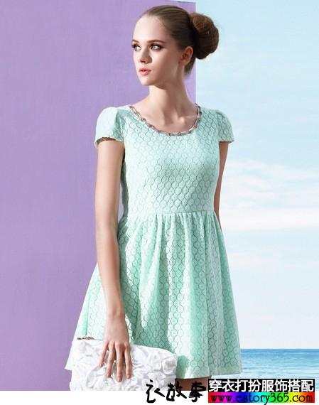 网纹提花连衣裙