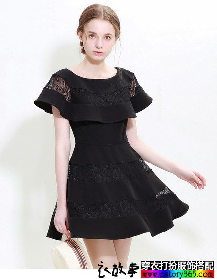 蕾丝镂空拼接连衣裙