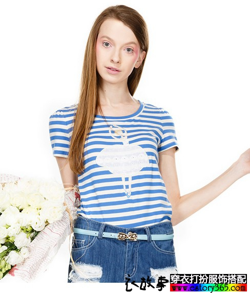 条纹蕾丝修身T恤