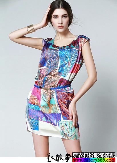 夏天风格各异的裙子在飘逸