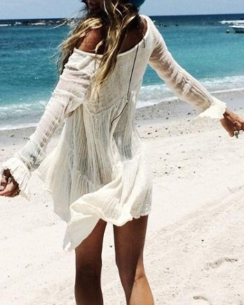 适合20岁女性旅行的穿衣搭配?