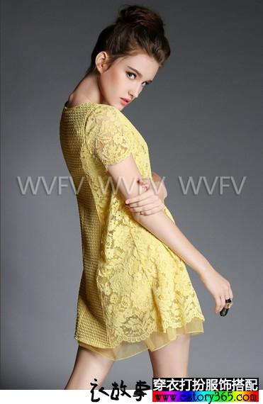蕾丝拼接连衣裙