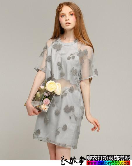 立体花朵欧根纱连衣裙