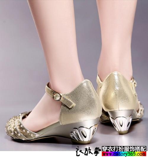 一字扣水钻网纱凉鞋