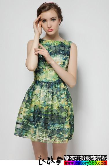 欧根纱无袖格子连衣裙