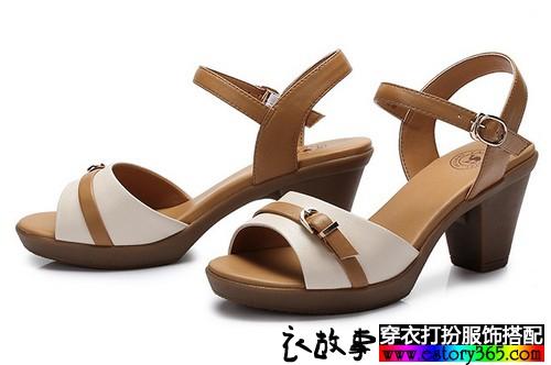 夏天里,女生怎样选择搭配凉快好看的凉鞋?