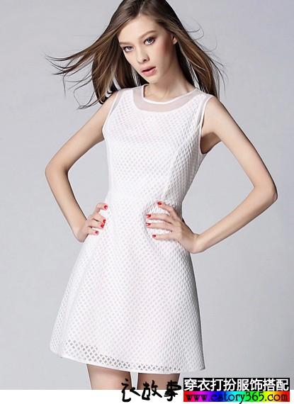 镂空无袖连衣裙
