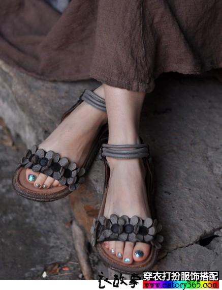 手工花朵牛皮凉鞋