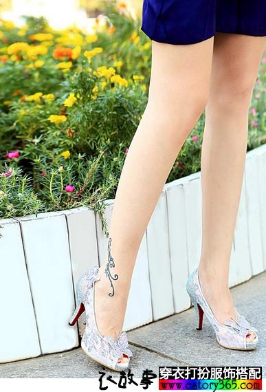 蕾丝蝴蝶结白色水晶鞋