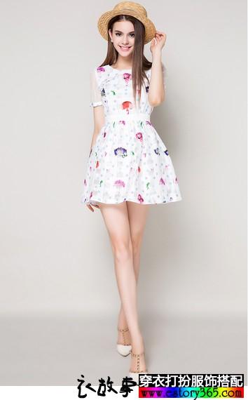 圆领印花短袖连衣裙